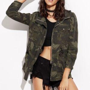 Jackets & Blazers - Camo Fall Drawstring Jacket Size Small